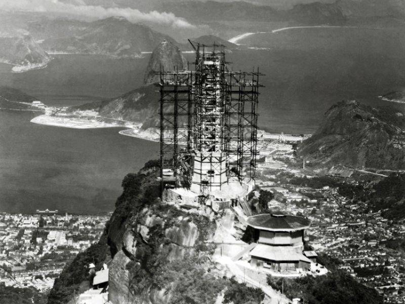 Construction of the statue at Corcovado
