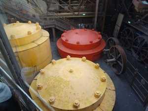 Counterweight tanks