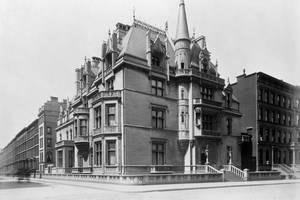 William Vanderbilt Mansion