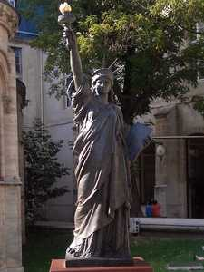 Réplique of 'Arts et Métiers'