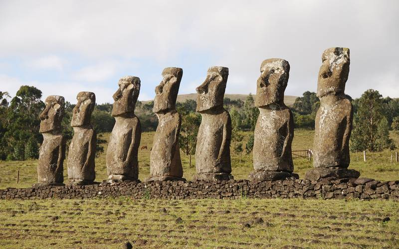 Statues of Easter island