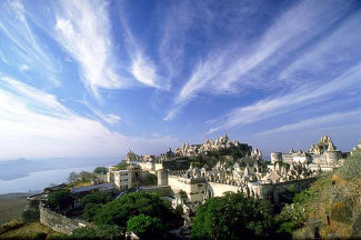 The hill of Shatrunjaya