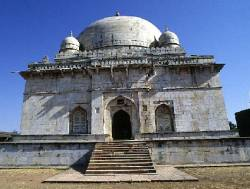 The tomb of Hoshang Shah
