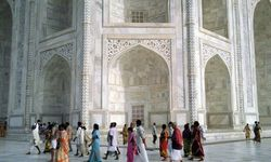 Facade of the Taj Mahal